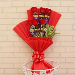 Combo of 6 Cadbury Dairy Milk Chocolate & 6 Red Roses